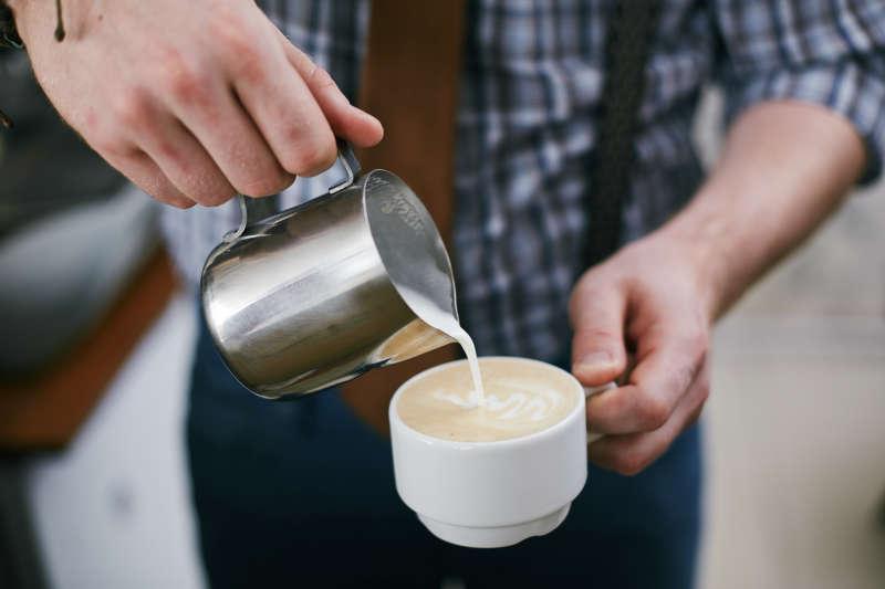 咖啡会诱发癫痫吗?癫痫病因何而起?医生给你一一讲解