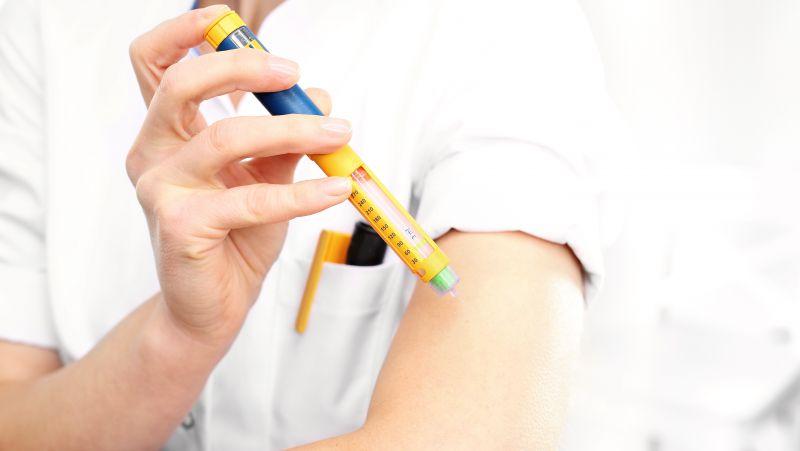 长期使用胰岛素会上瘾?内分泌专家来辟谣:胰岛素治疗是由自身病情决定!
