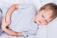 警惕孩子斜视的3大症状 预防斜视可常换睡姿