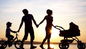 散步好处多,但这四类人饭后散步,反而会危害健康
