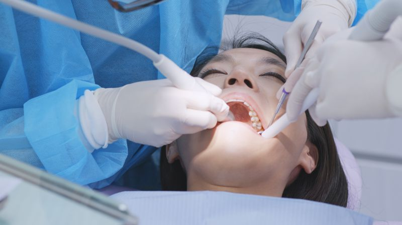 经常吃糖容易长蛀牙?注意,这4类人容易长蛀牙,要注意预防