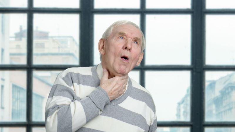 """老人临死前的""""回光返照"""",是真的存在吗?老人临终前有5个症状"""