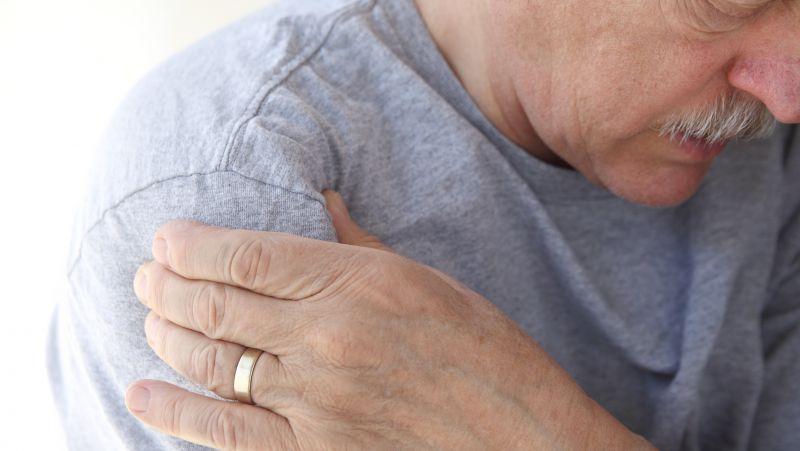 肝癌一发现就是晚期,肩膀出现一个征兆,提示癌症已经远处转移