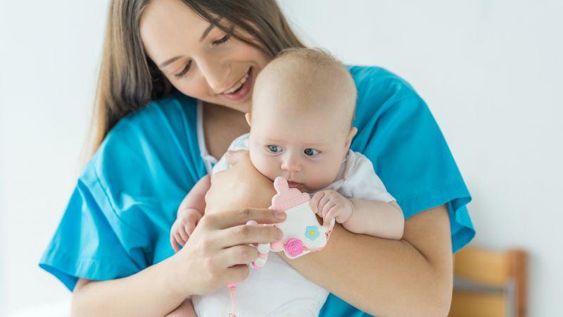 宝宝有痰咳不出?家长别着急,医生教你帮宝宝轻松排痰