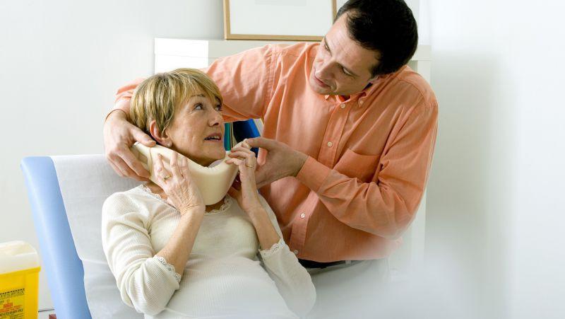 颈椎病别以为是小病!或对身体造成3个危害,不容小觑
