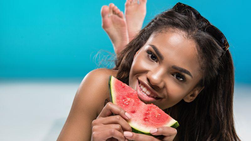 湿气不除百病生,提醒夏天湿气重的人:常吃5种美食会加重病情