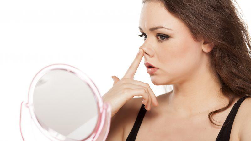 同一个鼻孔经常流鼻血的原因