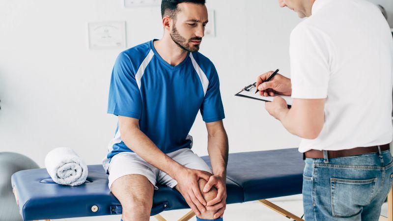运动损伤膝盖疼怎么办?