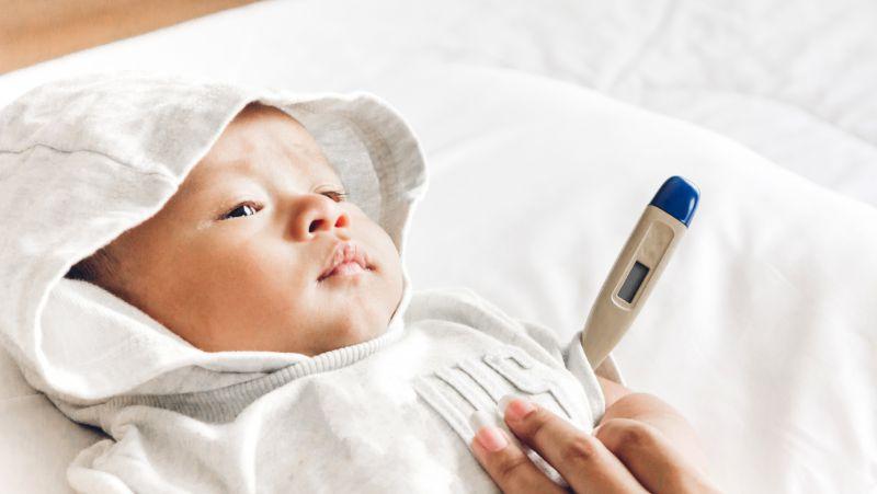 宝宝高烧流口水,可能患上了疱疹性咽峡炎